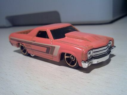 Hot Wheels 2013 HW Showroom Muscle Mania Chevrolet '71 El Camino 454 Custom